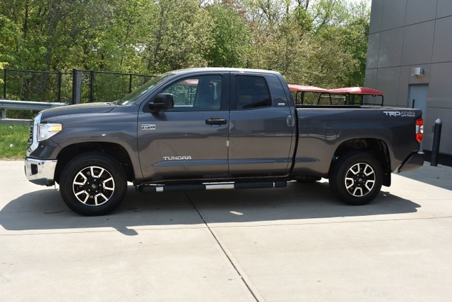 Pre-Owned 2016 Toyota Tundra 4WD Double Cab 5.7L V8 6-Spd AT SR5